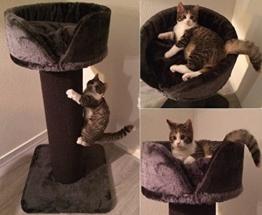 Kratzbaum Cat Crown XL Anthrazit mit starkes Sisalteppich. Sisalstämme 20cm Ø mit Sisalteppich für große Katzen. Europäische Qualitätsproduktion -