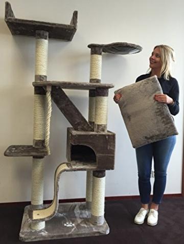 Kratzbaum große katze Kilimandjaro Plus Grau. Sisalstämme 12cmØ Katzenkratzbaum für große Katzen. Europäische Qualität -